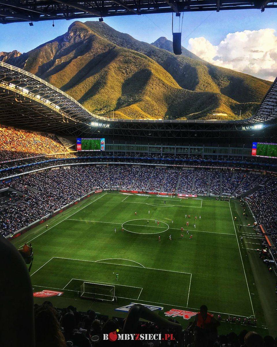 Niezły Meksyk – Stadion w Monterey
